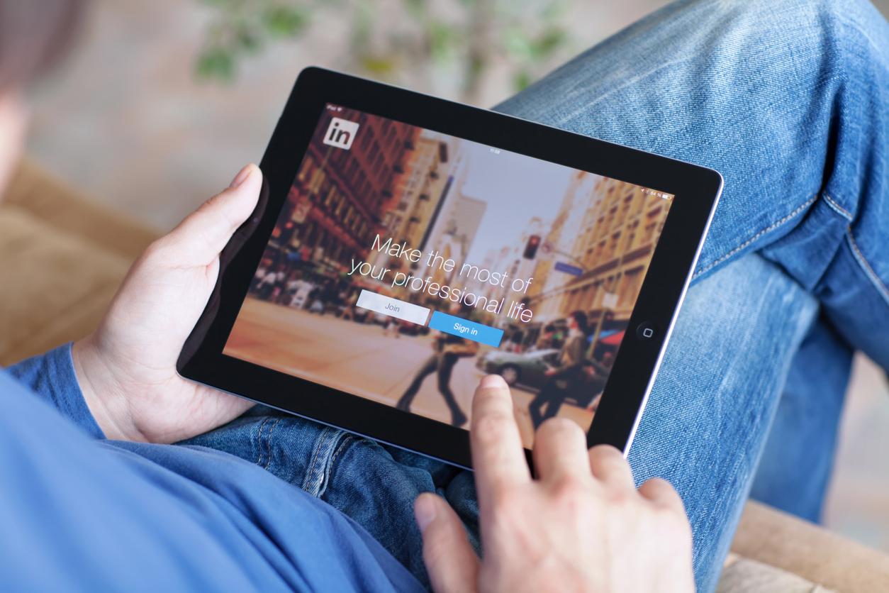 Build a LinkedIn Community
