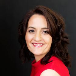 Angela Hiscott